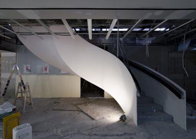 Escalera metálica en la calle Serrano